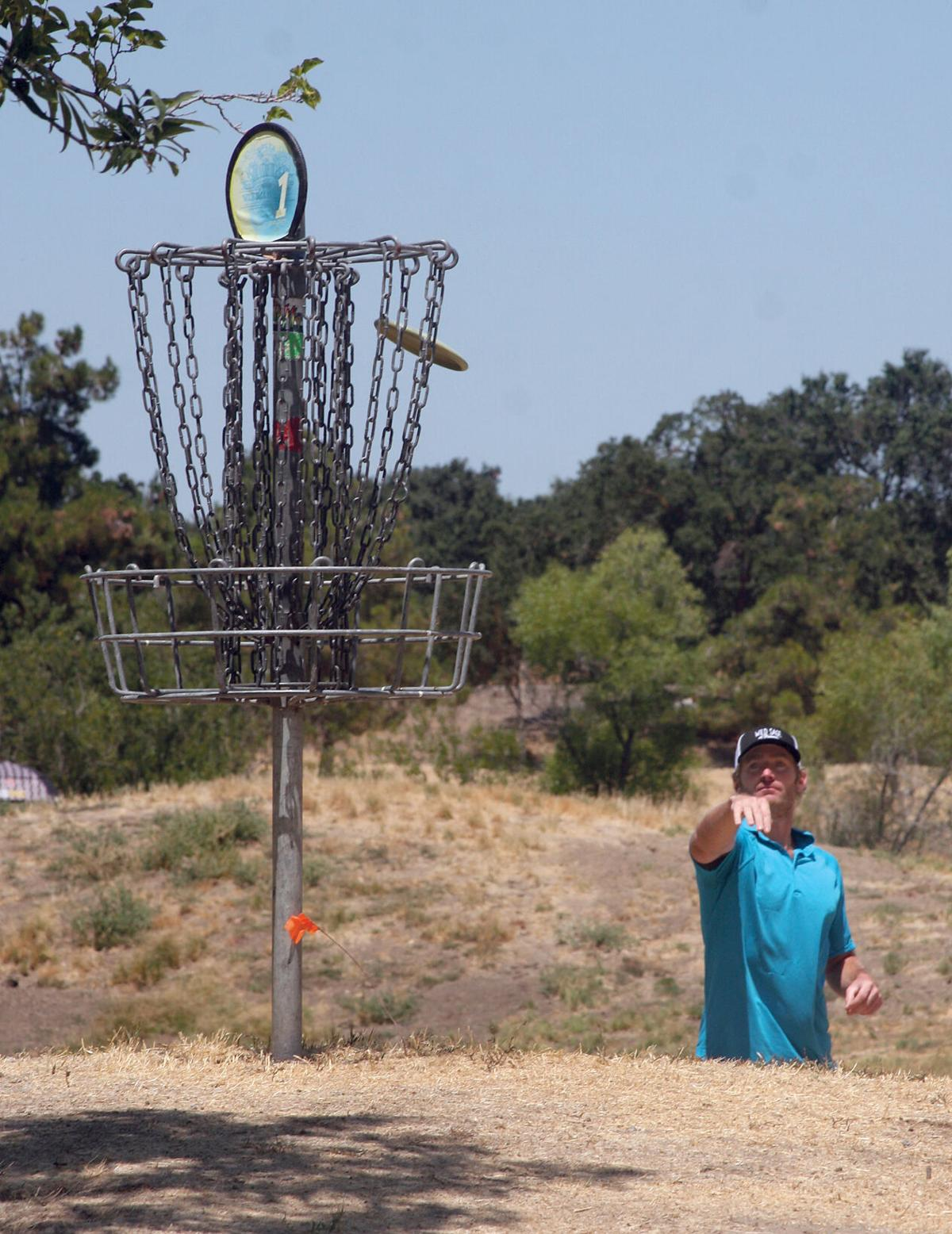 Disc golf at Old River