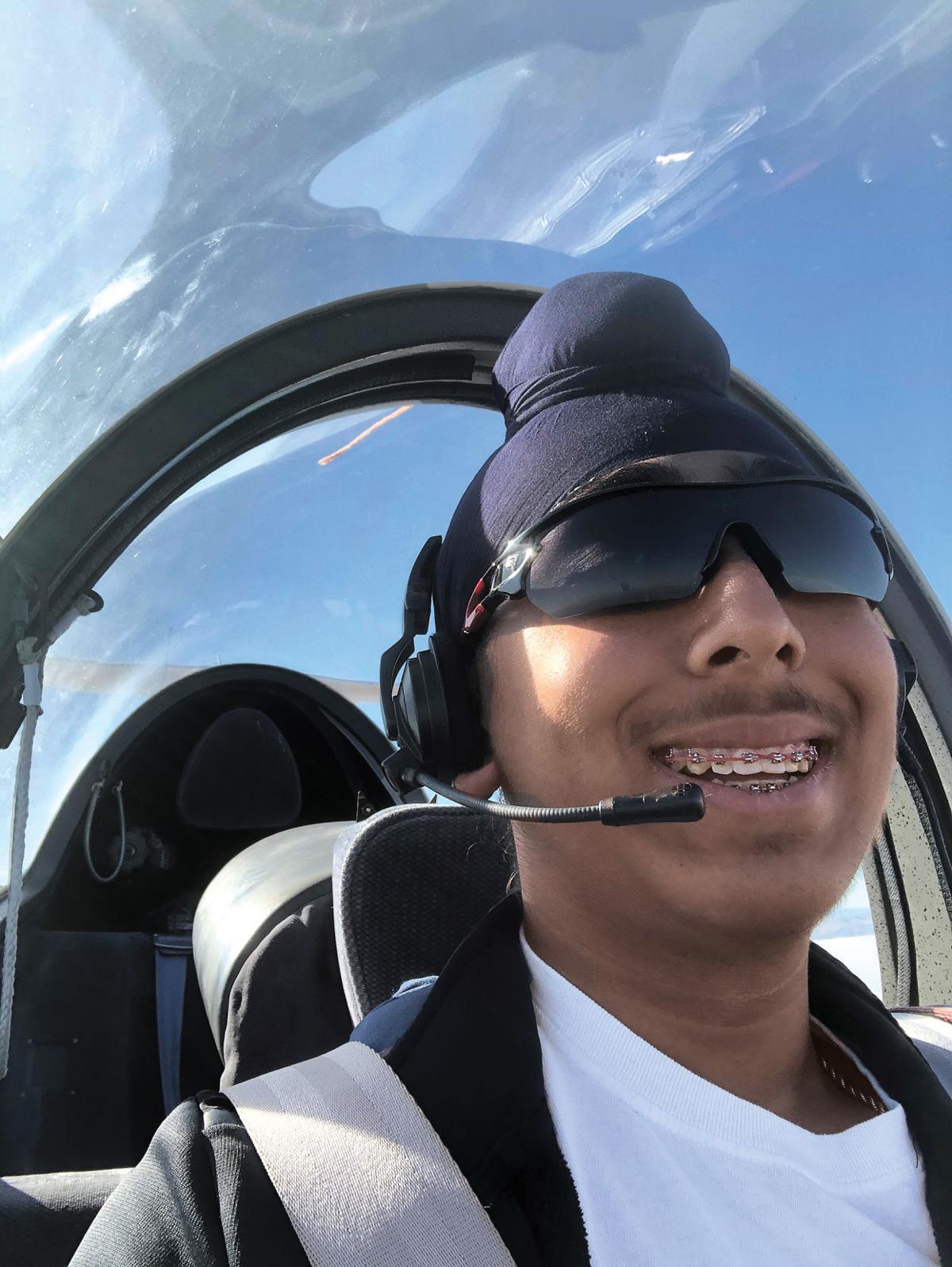 Glider solo