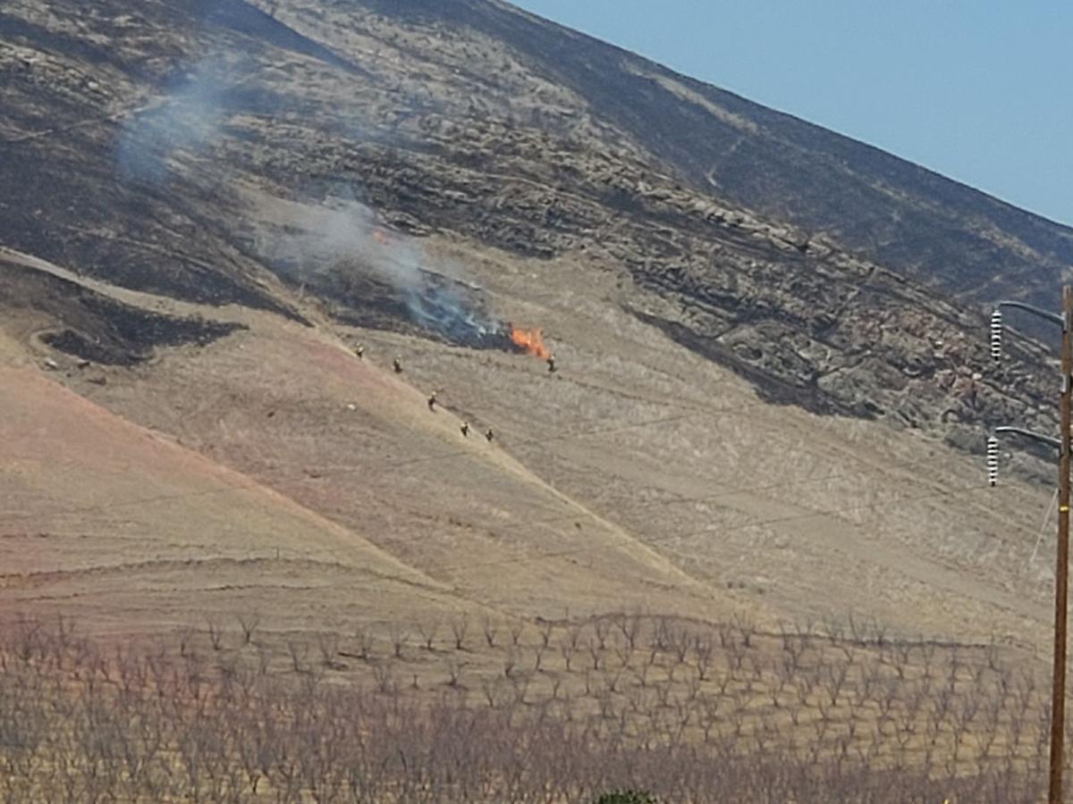 Grass fire near Interstate 5