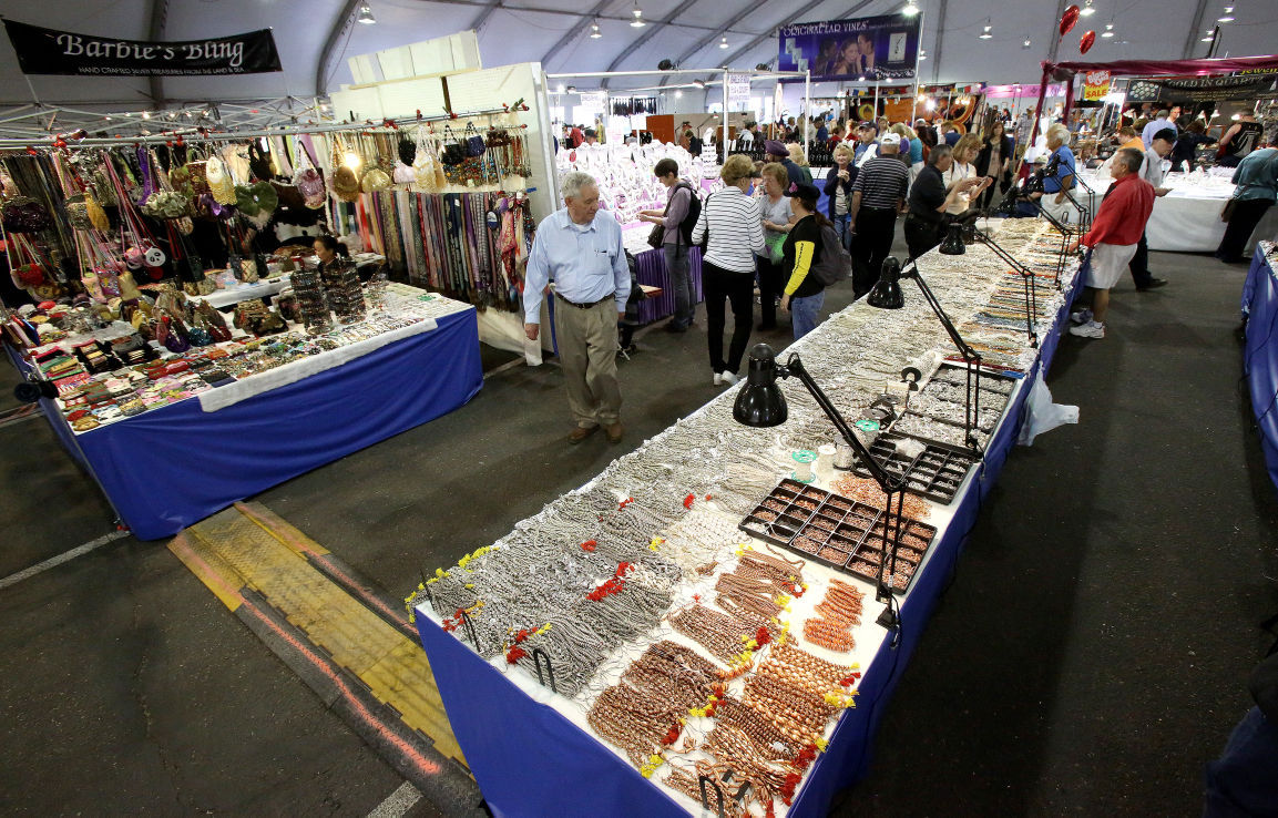 2017 tucson gem mineral and fossil showcase guide for Jewelry show chicago 2018