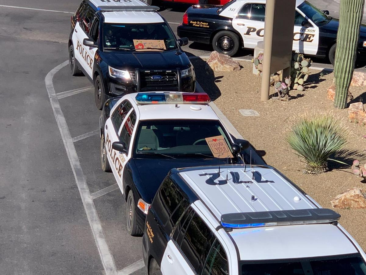 Tucson police say thank you to hospital workers