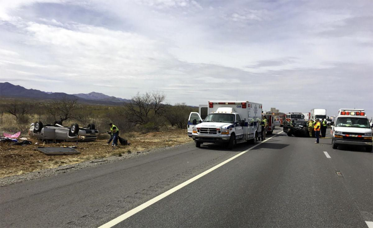 Crash closes I-10 traffic lanes east of Tucson