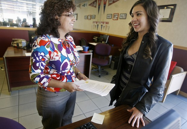 Financial aid increasingly iffy for UA students