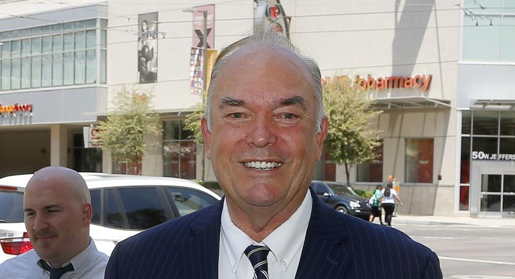 Judge mulls allowing expelled Arizona lawmaker on ballot