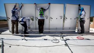Arizona regulators reverse course, reject new state clean-energy rules