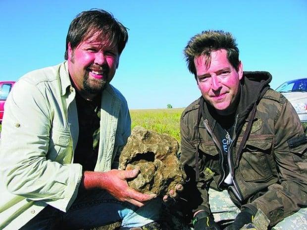 Remote Controlled : Space-rock-hunting Tucsonan, buddy are 'Meteorite Men'