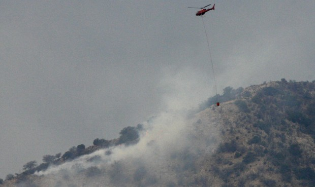 Cottonwood Fire spreads to 650 acres in Whetstones