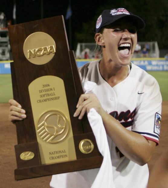 Arizona softball: Hollowell now operating as pitching coach