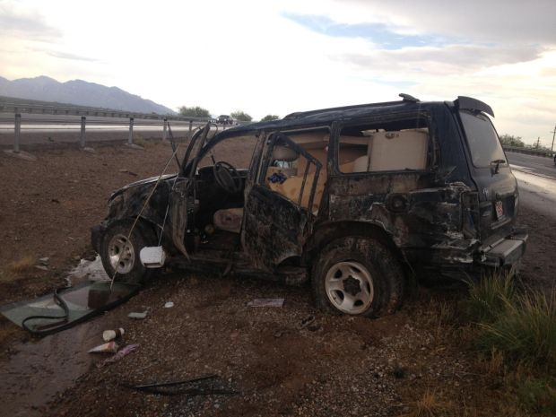 Seatbelts credited with saving drivers in Northwest Tucson rollover wrecks
