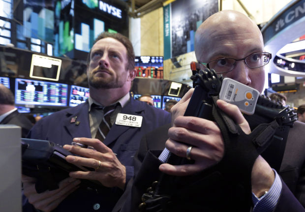 Techs ignite 128-pt. fire under stocks