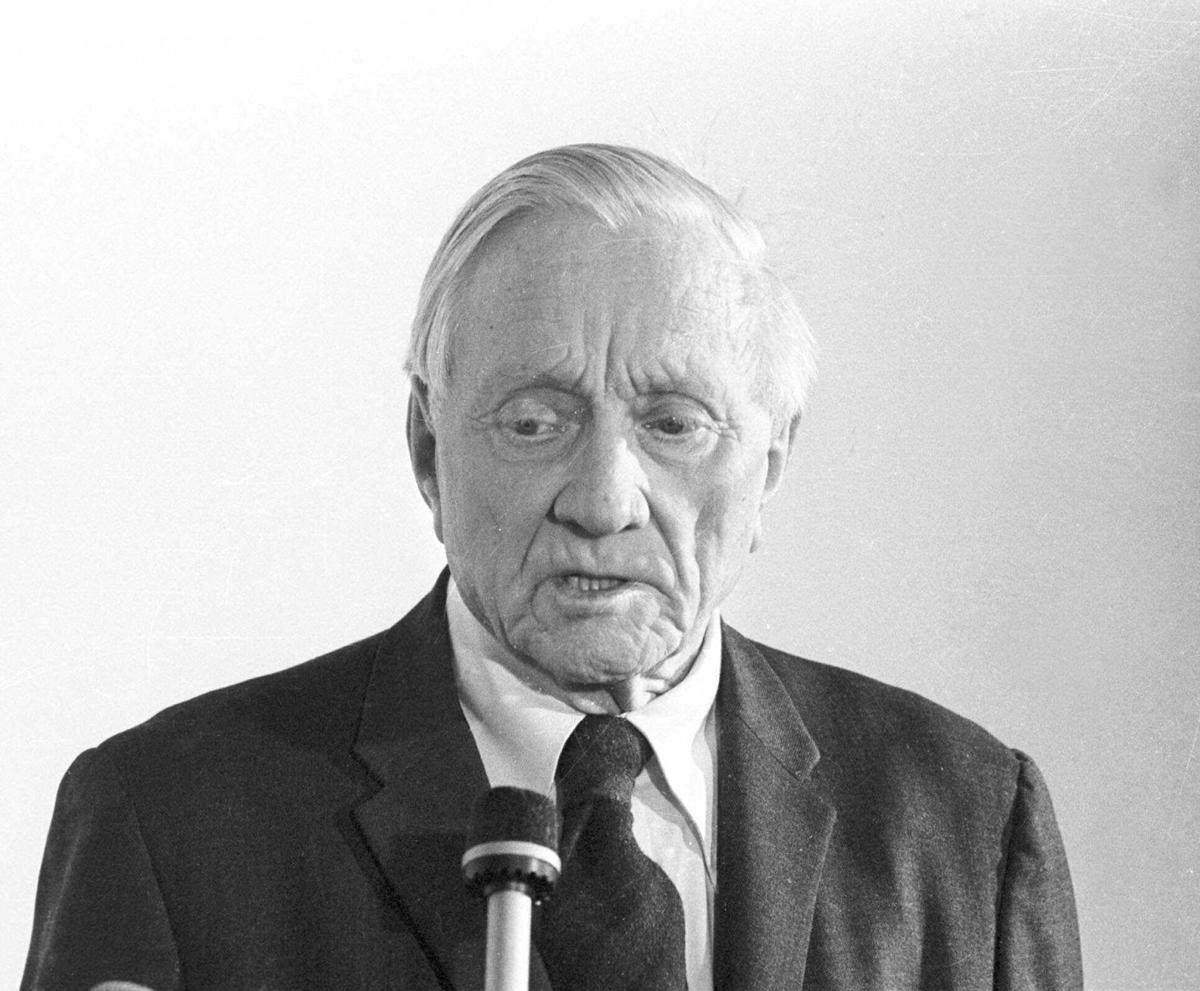 biographical account of justice william o douglas William o douglas on the supreme court william orville douglas, the longest-serving supreme court justice in us history, offers his views on the role of the court.