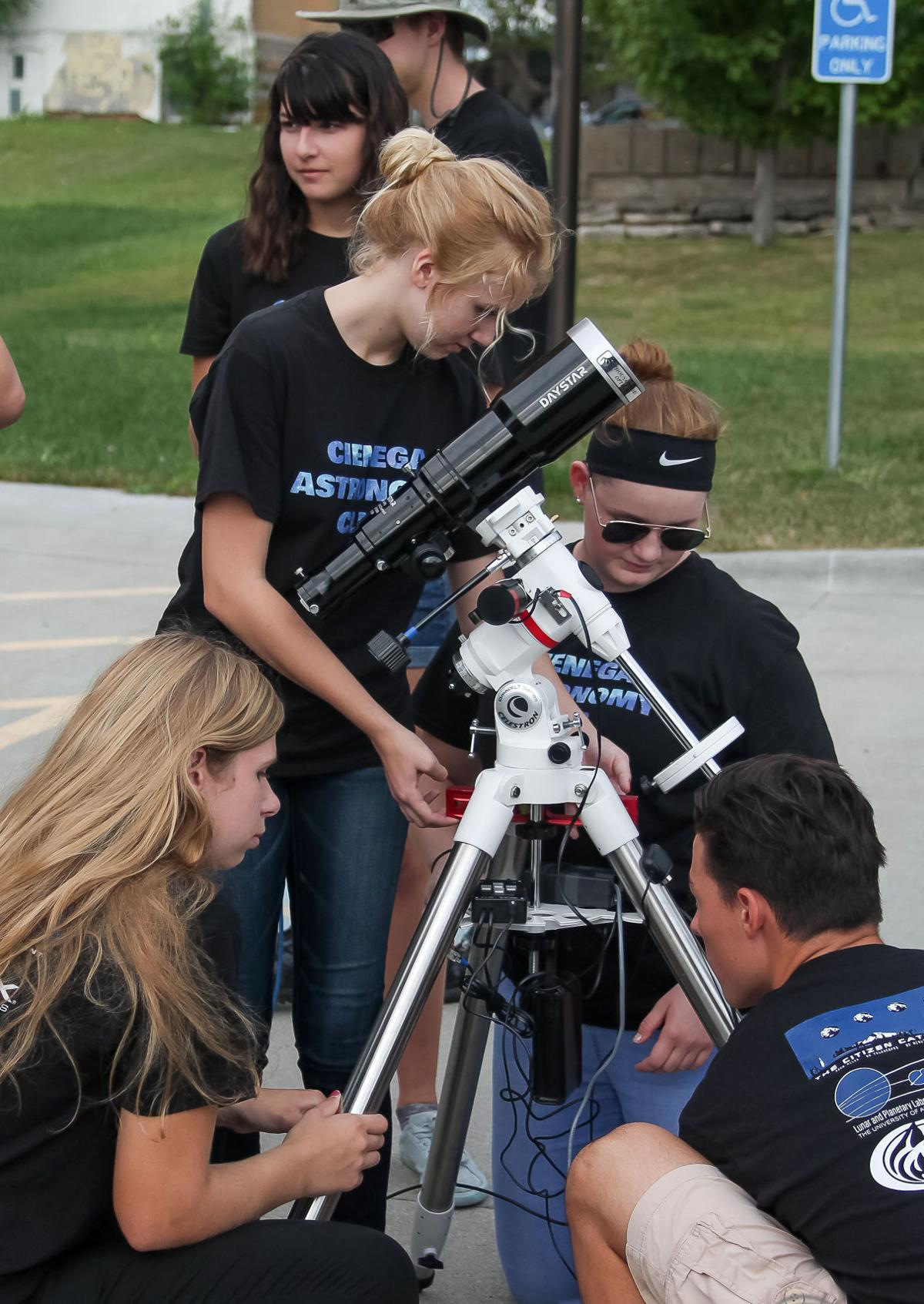 Cienega students view eclipse