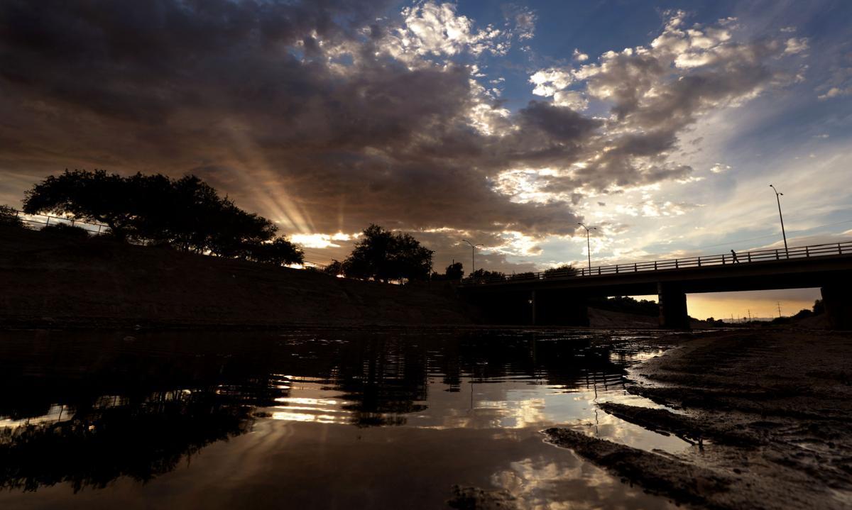 Santa Cruz River