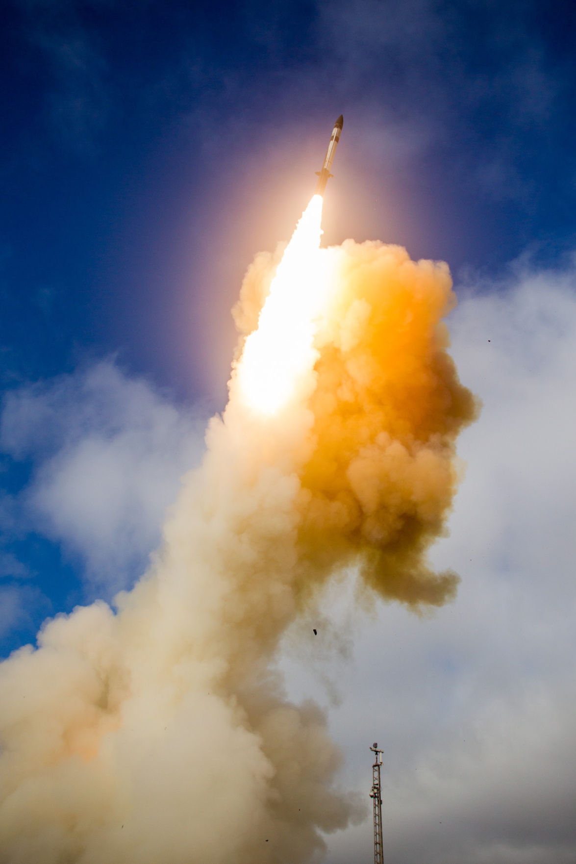 New Raytheon missile interceptor misses in latest test