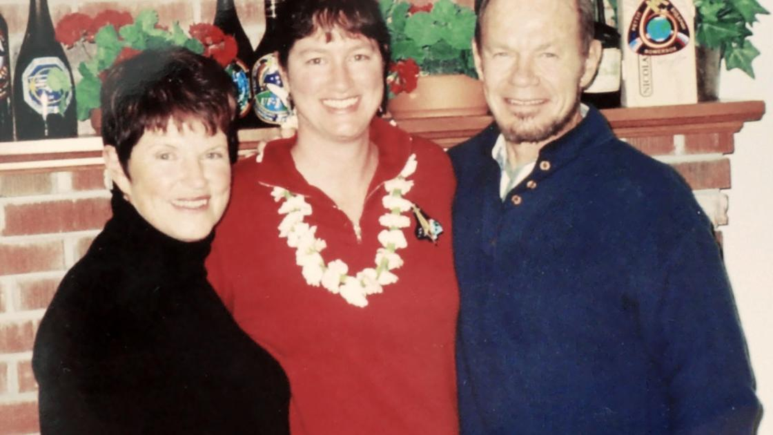 Couple who died in Oro Valley crash were parents of astronaut Laurel Clark