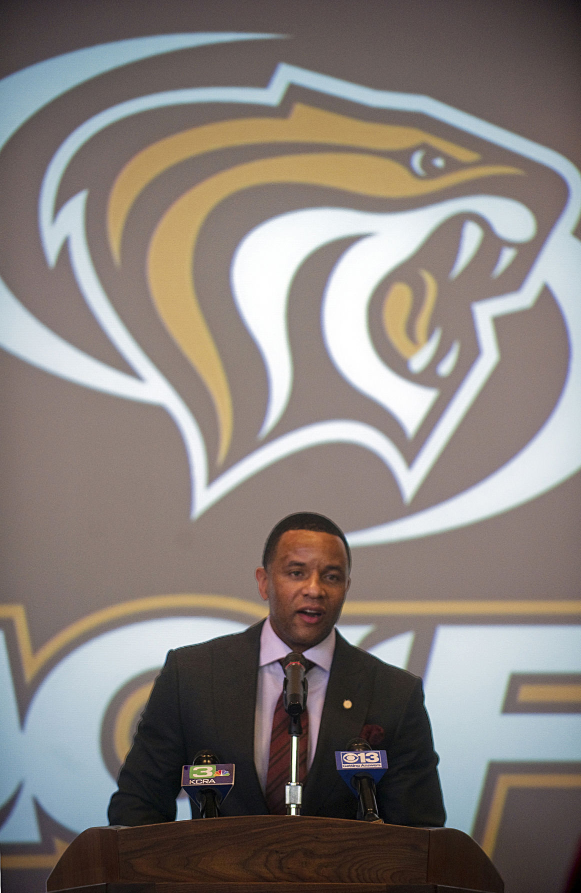 Arizona Wildcats legend Damon Stoudamire accepts University of the
