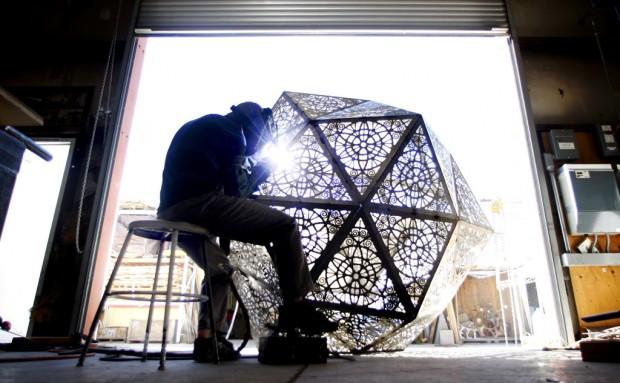 Huge, fiery urn built to honor loved ones