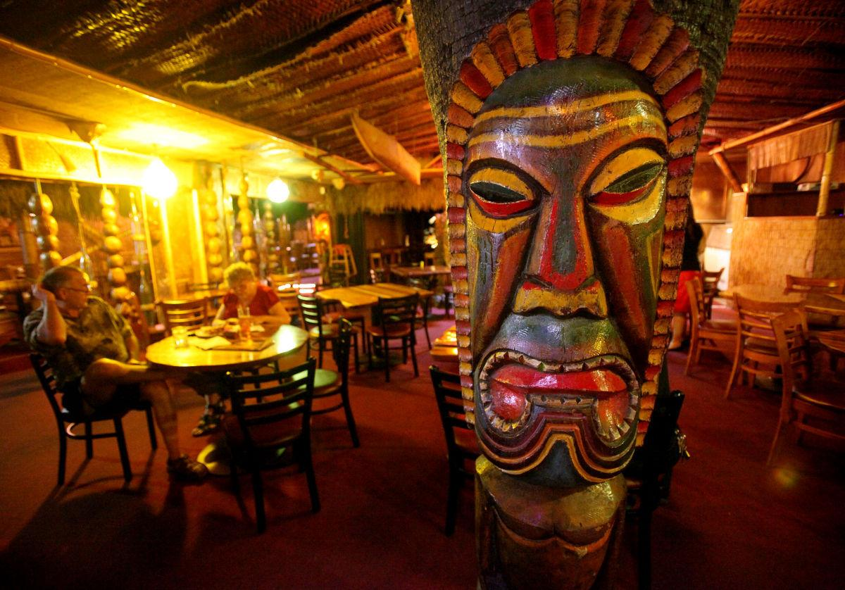This long-time Tucson bar makes website's list of best in ...