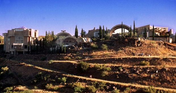 Paolo Soleri, who pioneered the futuristic Arcosanti in Arizona, dies at 93