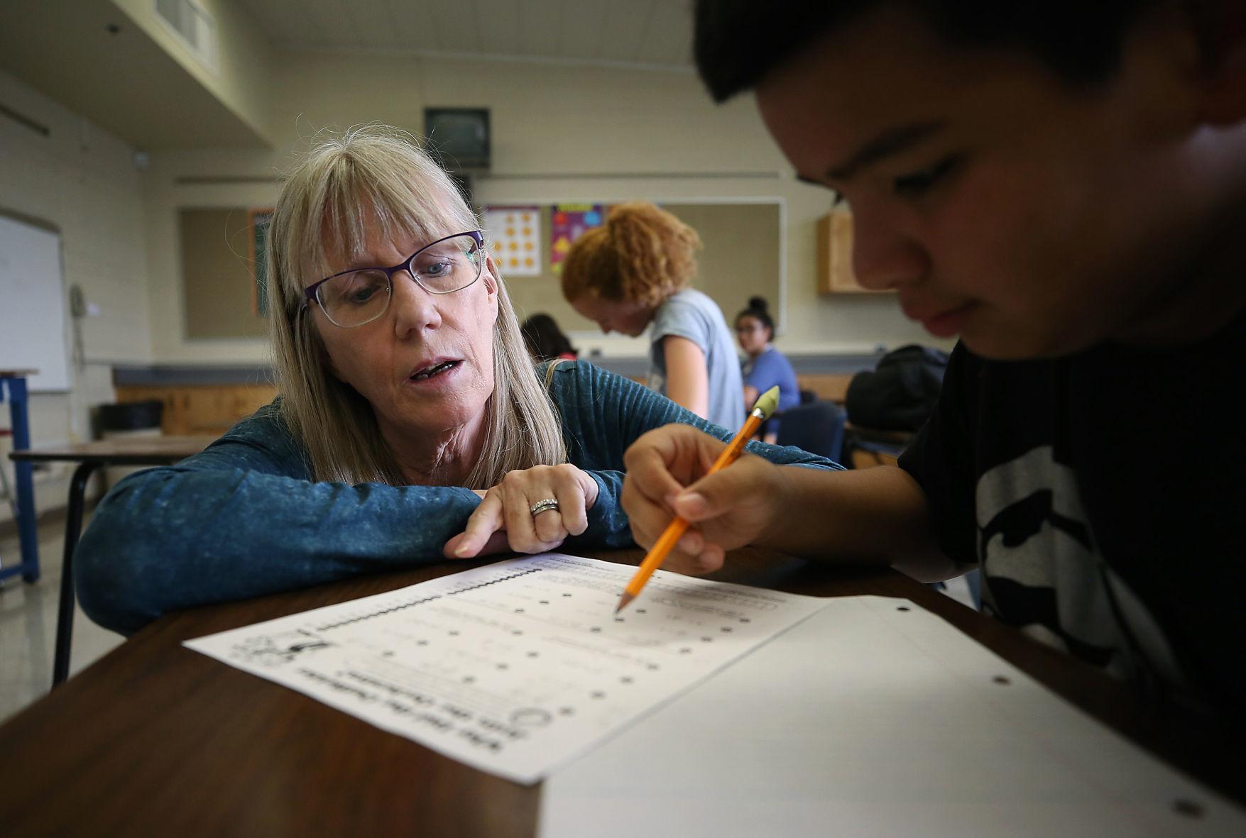 Despite pay raises, teacher vacancies remain a problem for Tucson schools | Tucson.com