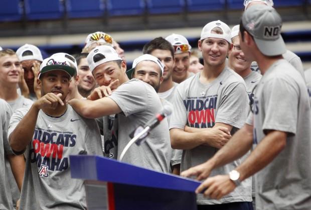 Tucson fans welcome NCAA champion Arizona Wildcats baseball team