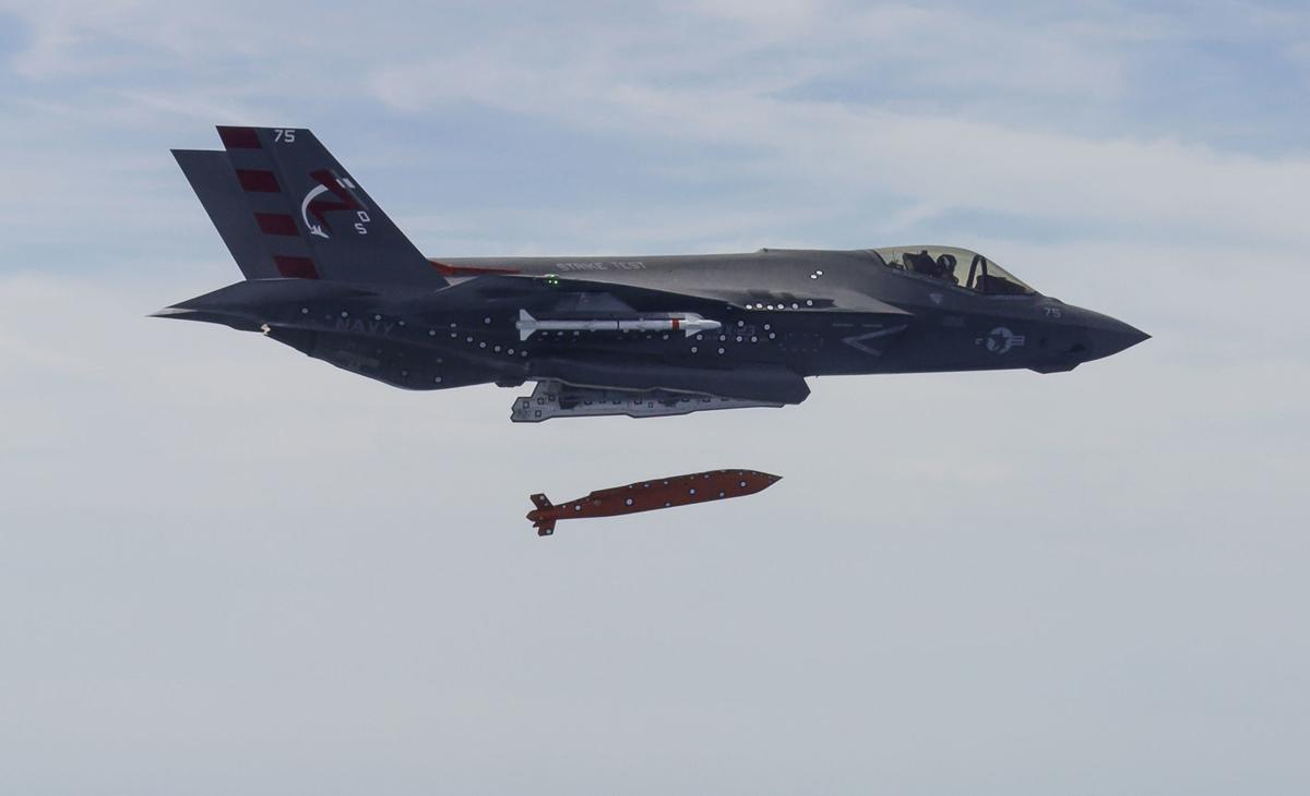 Raytheon to turn glide bomb into cruise missile for Navy jets