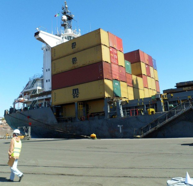 Guaymas moves into operation as a seaport for container cargo