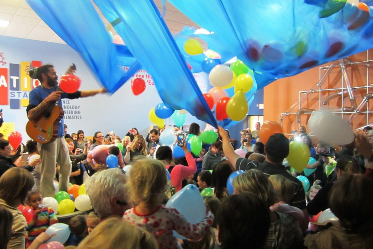 Kids balloon drop