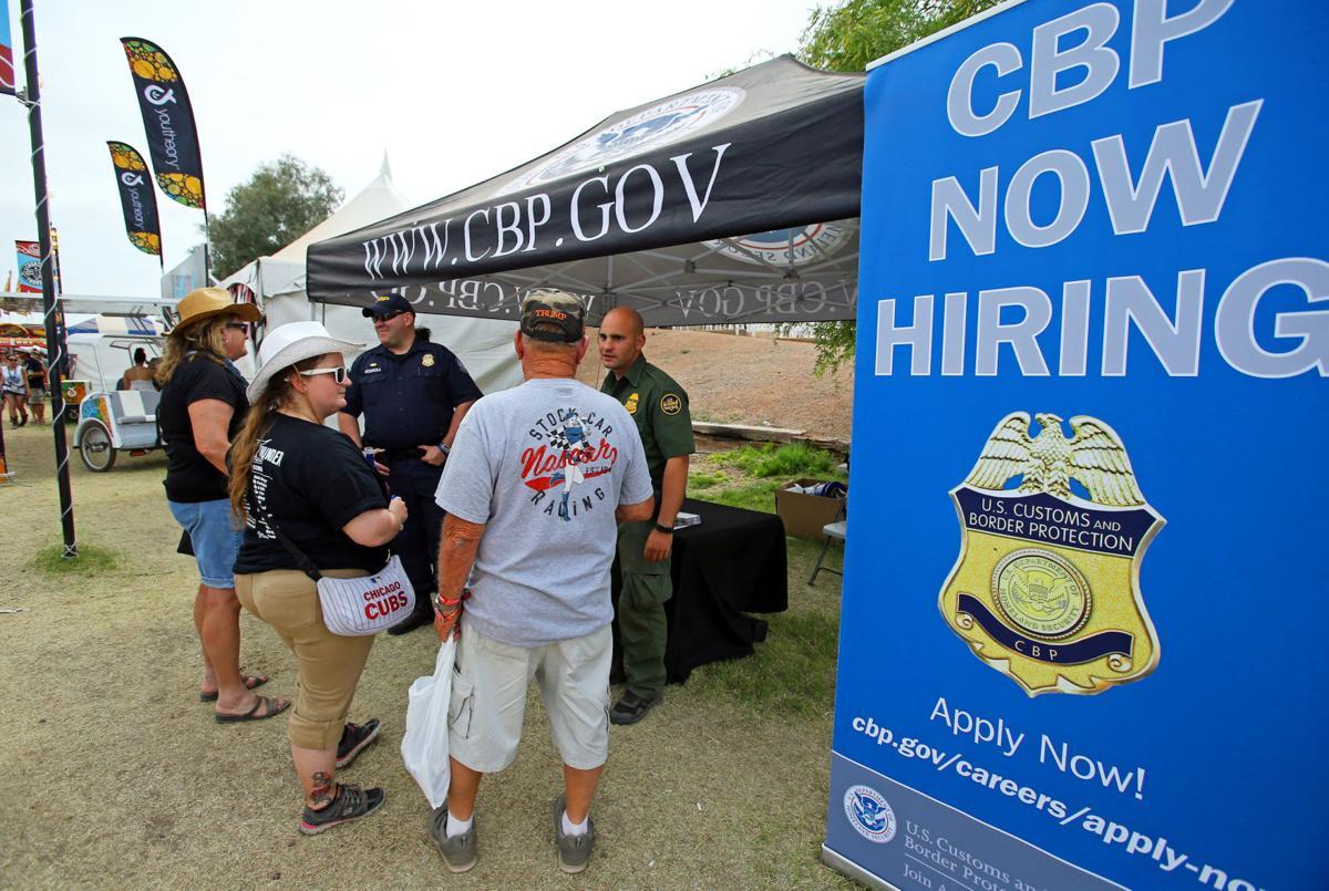 Border Patrol casts agent recruiting net at fairs, rodeos | Border