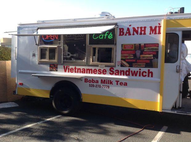 Vina Baguette food truck