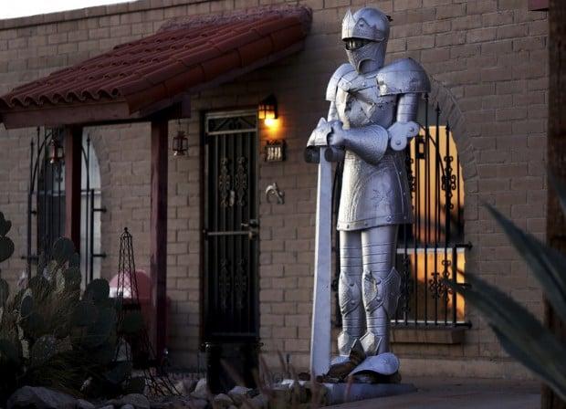 Tucson Oddity: A knight to remember: 8 feet tall, aluminum
