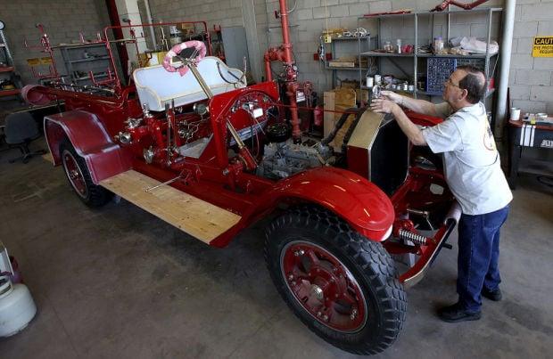 Restored fire engine on hand for Dillinger Days celebration