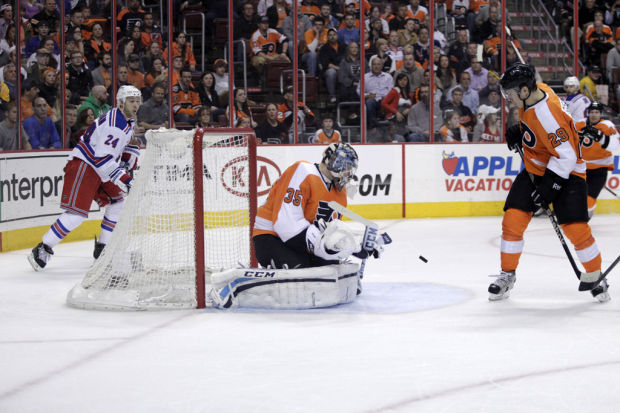 NHL: Goalie helps Flyers stay in playoff hunt