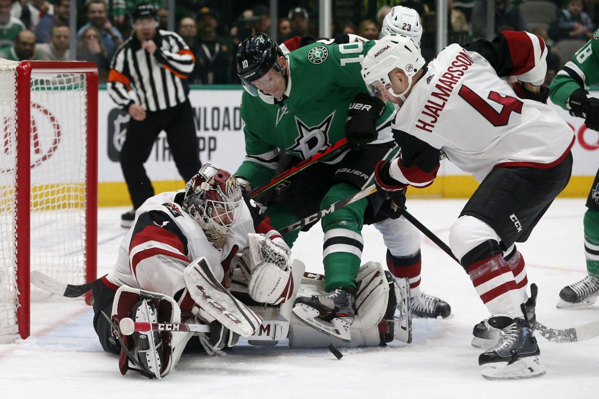 Coyotes Stars Hockey