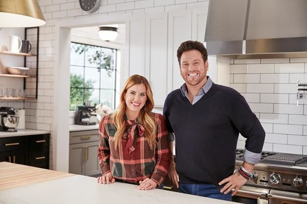 food network recruited designer shea mcgee and chef and restaurateur scott conant to build tucsonan karen carters ultimate chefs kitchen - Chefs Kitchen 2