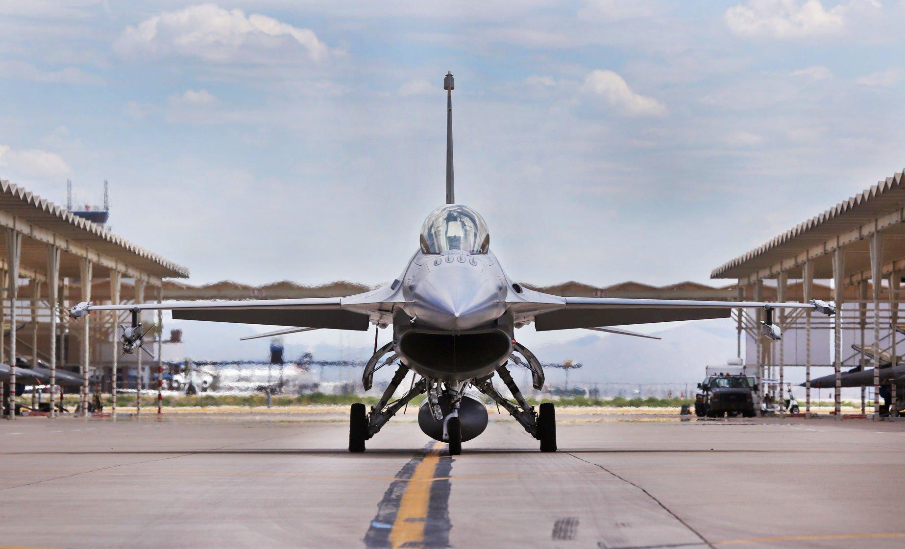 Arizona Air National Guard says F-16 crashes near Safford