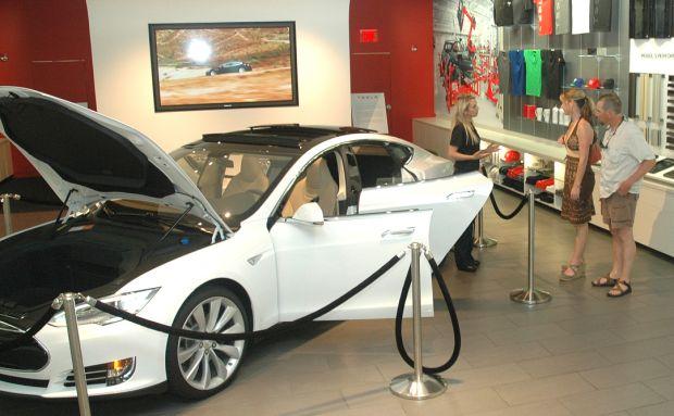 Tesla showroom in Scottsdale