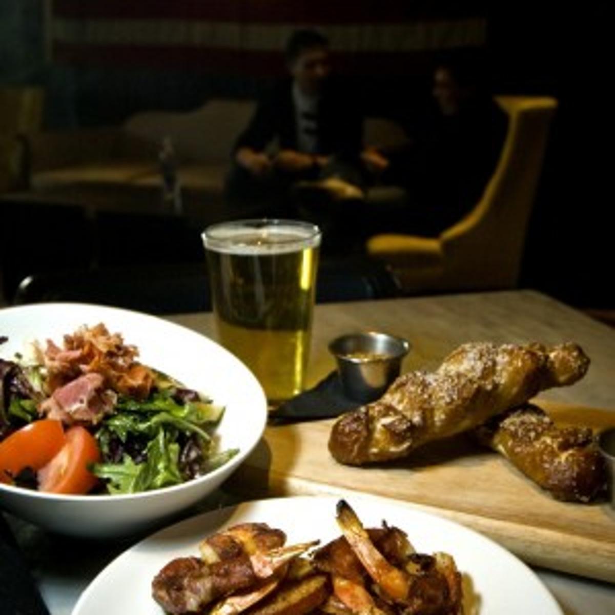 Union Pub: good grub