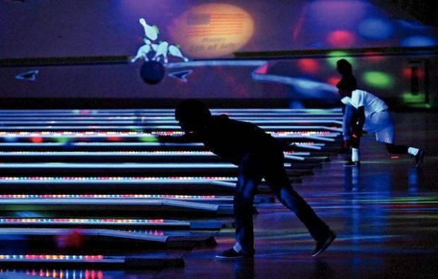 Cyber Bowling Packs Em In