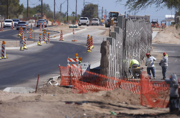 La Cañada Drive road construction