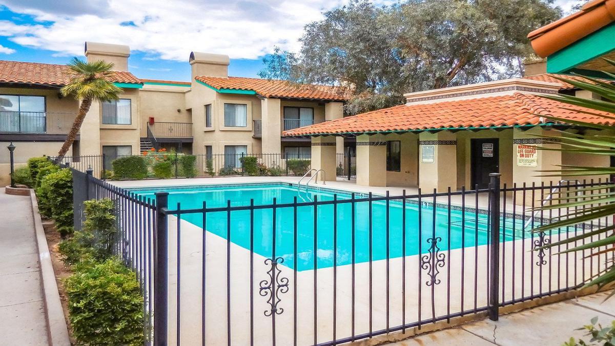 Villa Delano Apartments