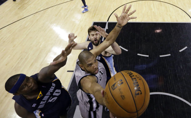 NBA playoffs: SPurs 93, Grizzlies 89, OT: Duncan's great escape