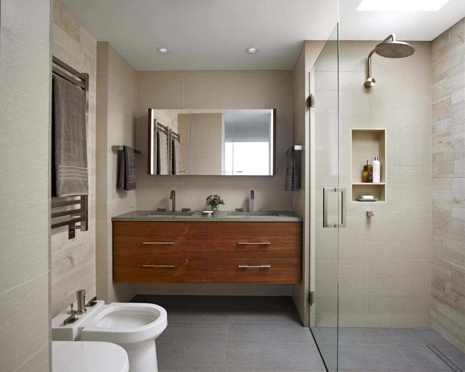Reset Your Routine With A Functional Modern Bathroom Home