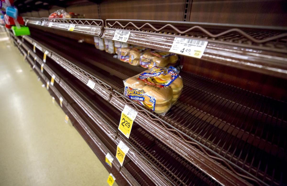 Empty grocery shelves (LE)