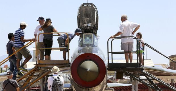 Visitors get into British planes