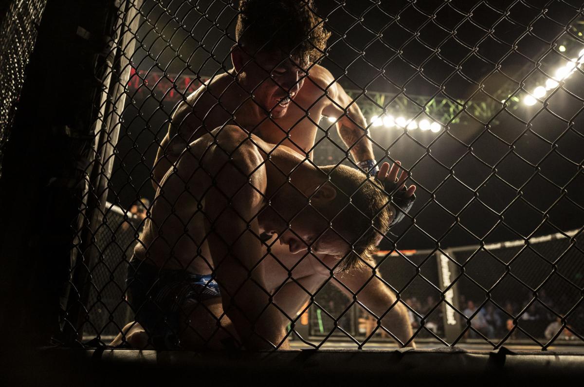 101219-sports-MMA-p09.JPG