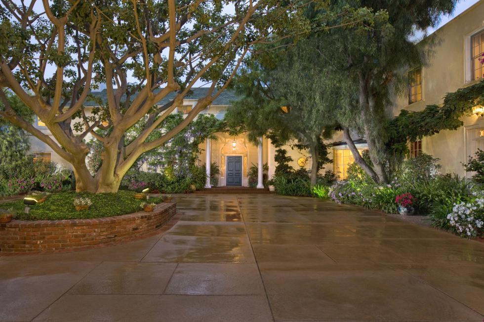 The top 10 celebrity homes of 2017   Home & Garden   tucson.com Contemporary Garden Design Fl E A Html on