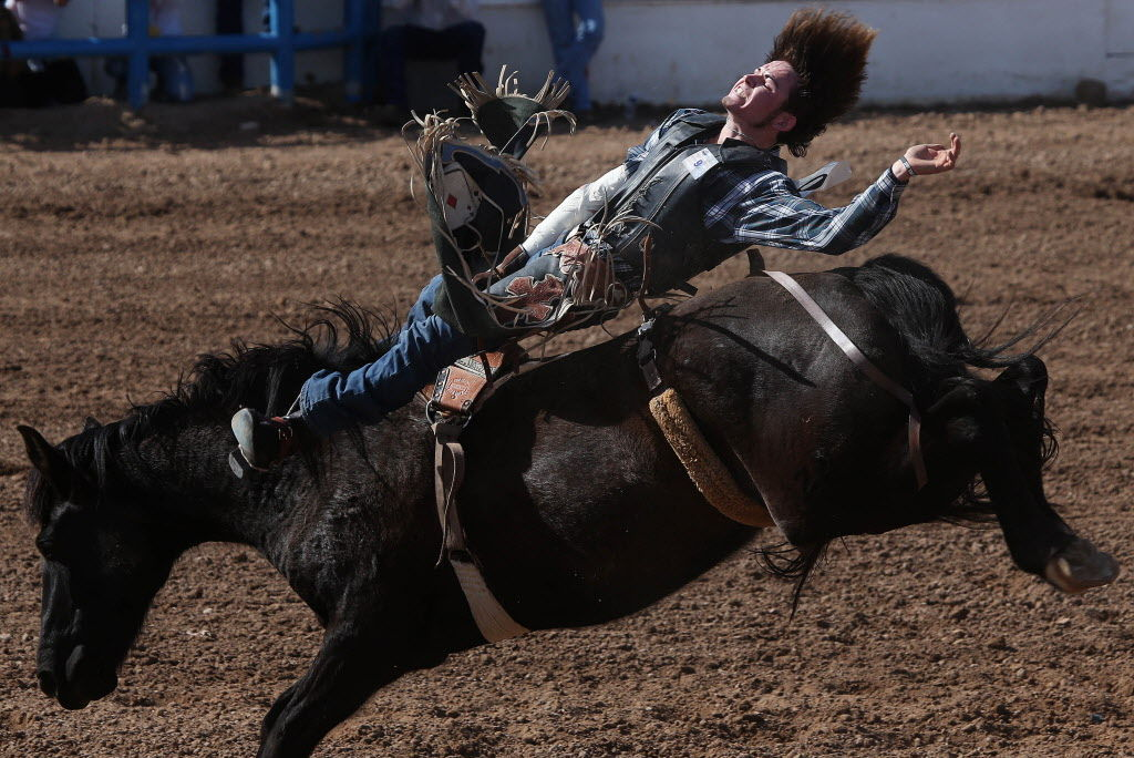 Things Are Breaking Tucson Bareback Rider S Way Rodeo