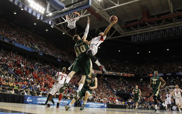 Sweet 16: Cards' intense defense has familiar ring for Ore.