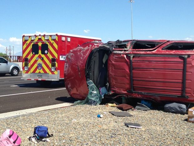 5 family members injured in Interstate 10 rollover